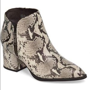 NWOT Snakeskin Python Boots Booties